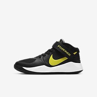 Nike Team Hustle D 9 FlyEase Basketballsko til store børn