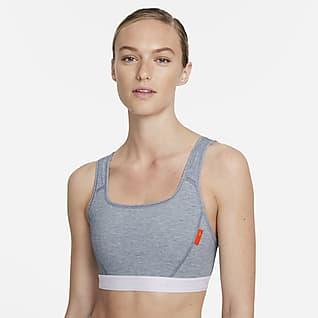 Nike Dri-FIT Swoosh Soft Tee Sports-BH med innlegg i ett stykke og middels støtte til dame