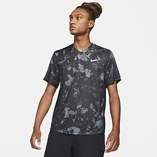NikeCourt Dri-FIT Victory Ανδρική εμπριμέ μπλούζα για τένις
