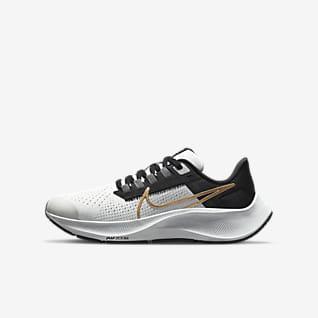 Nike Air Zoom Pegasus 38 Löparsko för hårt underlag för ungdom