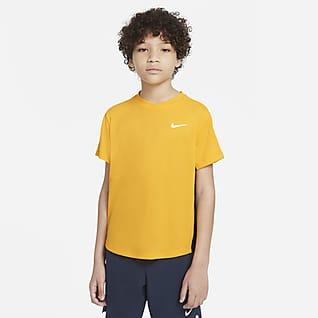 NikeCourt Dri-FIT Victory Koszulka do tenisa z krótkim rękawem dla dużych dzieci (chłopców)