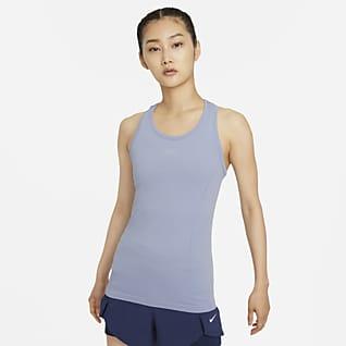 Nike Dri-FIT ADV Aura เสื้อกล้ามเทรนนิ่งทรงเข้ารูปผู้หญิง