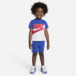 Nike Sportswear Conjunto de playera y shorts para bebé