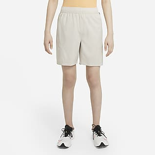 Nike Get Outside Geweven trainingsshorts voor jongens