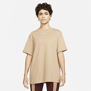 Nike Sportswear Essential Women's Boyfriend T-Shirt