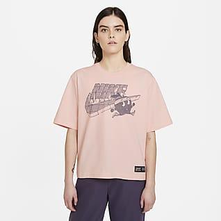 Nike Sportswear Playera cuadrada para mujer