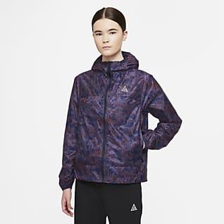 """Nike ACG """"Cinder Cone"""" Boydan Boya Baskılı Kadın Ceketi"""