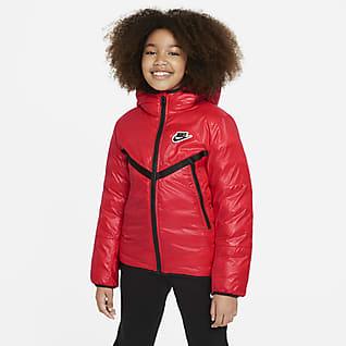 Nike Sportswear Vannavstøtende jakke med syntetisk fôr til store barn