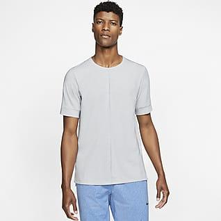Nike Yoga Dri-FIT Herentop met korte mouwen
