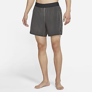 Nike Yoga Dri-FIT 2-In-1 男子短裤