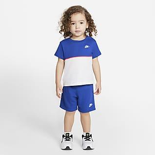 Nike Conjunto de playera y shorts French Terry para bebé (12 a 24 meses)