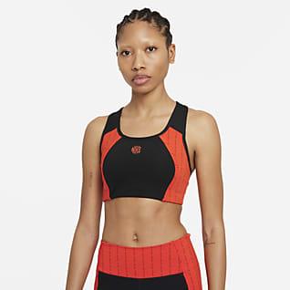 Nike Dri-FIT Swoosh Icon Clash Sports-BH med innlegg i ett stykke, nøkkelhull og middels støtte til dame