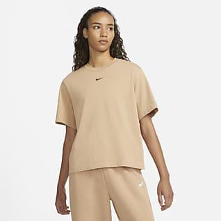 Nike Sportswear Essential เสื้อยืดผู้หญิงทรงหลวม