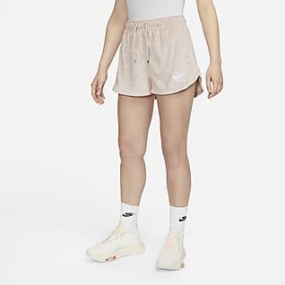 Nike Air Shorts de tiro medio de velour para mujer