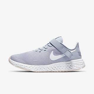 Nike Revolution 5 FlyEase Hardloopschoen voor dames (breed)