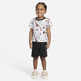 Jordan Conjunto de playera y shorts para bebé (12-24M)