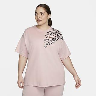 Nike Sportswear Women's Boyfriend Fit T-Shirt (Plus Size)