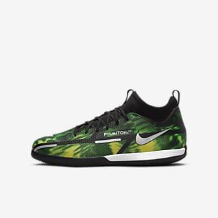 Nike Jr. Phantom GT2 Academy Dynamic Fit IC Little/Big Kids' Indoor/Court Soccer Shoes