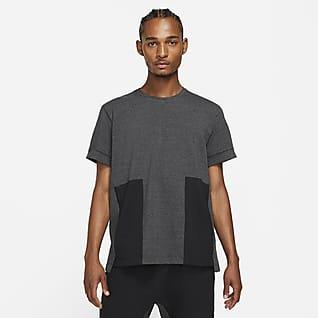 Nike Yoga Dri-FIT Pánské tričko skrátkým rukávem