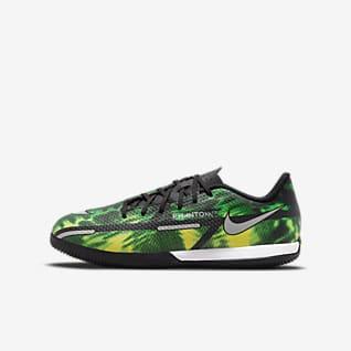Nike Jr. Phantom GT2 Academy IC Little/Big Kids' Indoor/Court Soccer Shoes