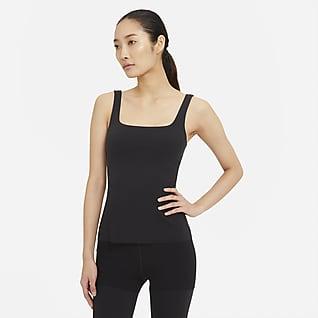 Nike Yoga Luxe เสื้อกล้ามผู้หญิง