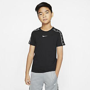 Nike Sportswear Swoosh Older Kids' T-Shirt