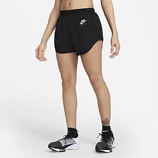 Nike Air Dri-FIT Pantalons curts folrats amb eslip de running - Dona