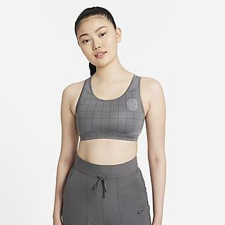 Nike Swoosh สปอร์ตบราผู้หญิงซัพพอร์ตระดับกลางมีแผ่นฟองน้ำ 1 ชิ้น