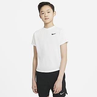 NikeCourt Dri-FIT Victory Κοντομάνικη μπλούζα τένις για μεγάλα αγόρια
