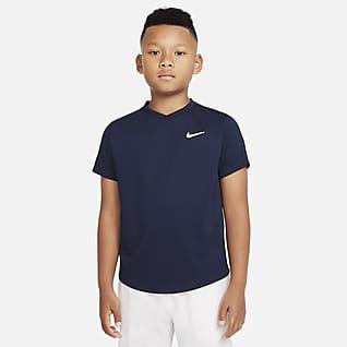 NikeCourt Dri-FIT Victory Rövid ujjú teniszfelső nagyobb gyerekeknek (fiúk)