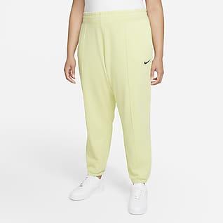 Nike Sportswear Essential Collection Pants de tejido Fleece desgastados para mujer (talla grande)