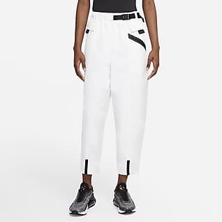 Nike Sportswear Tech Pack Voorgevormde geweven damesbroek