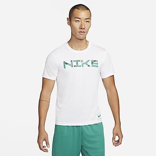 Nike Dri-FIT Sport Clash เสื้อยืดเทรนนิ่งผู้ชาย