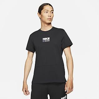 Nike Dri-FIT เสื้อเทรนนิ่งแขนสั้นผู้ชายมีกราฟิก