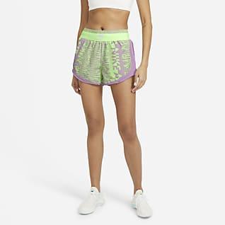 Nike Air Tempo Løbeshorts med print til kvinder