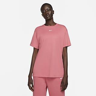Nike Sportswear Essential Boyfriend-T-Shirt für Damen