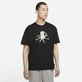 Nike SB เสื้อยืดสเก็ตบอร์ดมีกราฟิกผู้ชาย