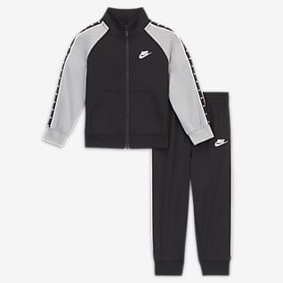 Nike Caja de conjunto de entrenamiento para bebé (de 12 a 24 meses)
