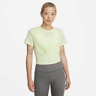 Nike Dri-FIT One Luxe เสื้อแขนสั้นผู้หญิงทรงมาตรฐานแบบมีลูกเล่น