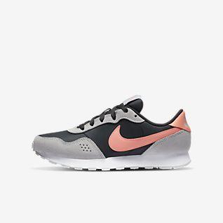 Nike MD Valiant Big Kids' Shoe