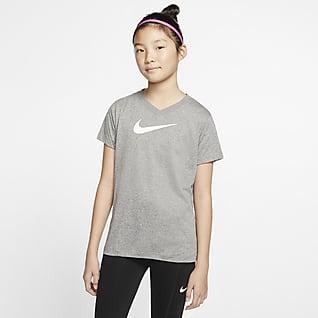 Nike Dri-FIT Playera de entrenamiento para niño talla grande Swoosh