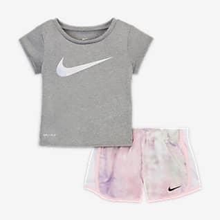 Nike Dri-FIT Conjunto de playera y shorts Tie-Dye para bebé de 12 a 24 meses