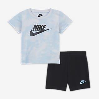 Nike Sportswear Conjunto de playera y shorts para bebé (0-9M)
