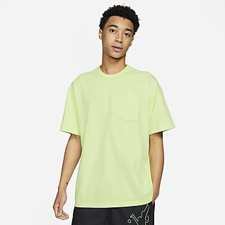 Nike Sportswear Premium Essentials Playera con bolsillo para hombre
