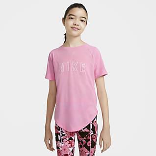 Nike Dri-FIT Trophy Tréninkové tričko s krátkým rukávem a potiskem pro větší děti (dívky)