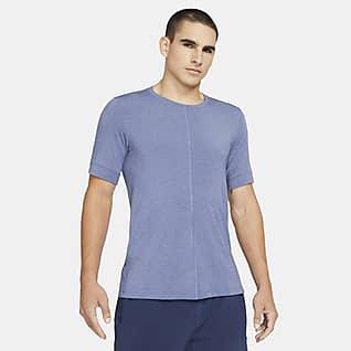 Nike Yoga Dri-FIT Kısa Kollu Erkek Üstü