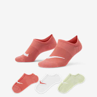 Nike Everyday Plus Lightweight ถุงเท้าเทรนนิ่งผู้หญิงแบบซ่อน (3 คู่)