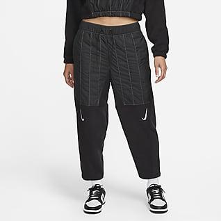 Nike Sportswear Swoosh Flauschige Curve-Hose für Damen