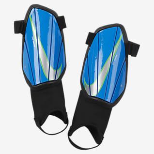 Nike Charge Protección para pierna de fútbol para niños