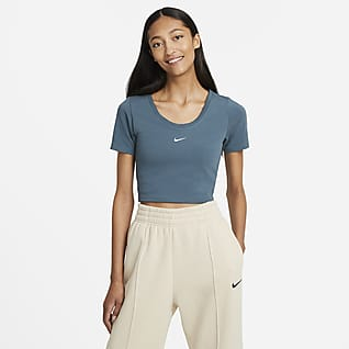 Nike Sportswear Essential Women's Short-Sleeve Crop Top